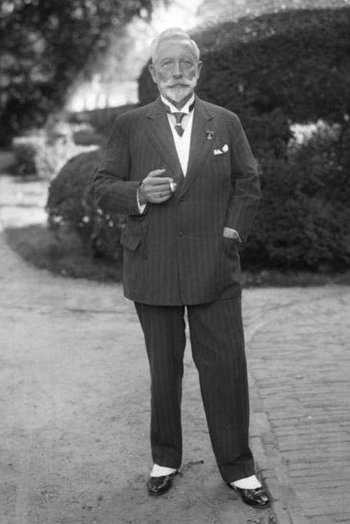 Mniej znane zdjęcie ostatniego cesarza Niemiec. Wilhelm II na wygnaniu w Holandii - następcy tronów na Joe Monster