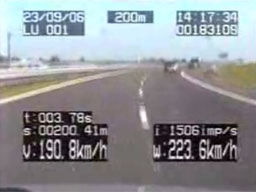 Polska policja ściga szalonego motocyklistę