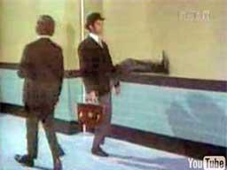 Monty Python - Ministerstwo Głupich Kroków