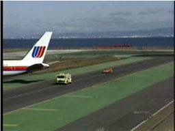 Boeing 747 kontra ciężarówka