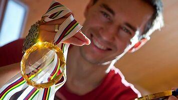 Kto ma największy bukiet z medali w skokach narciarskich?