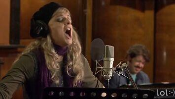 Jak ona pięknie śpiewa