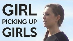 Dziewczyna podrywająca dziewczyny
