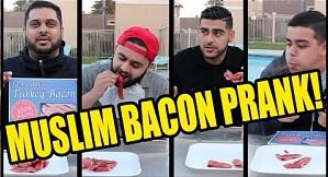 """Muzułmanie jedzą """"prawdziwy"""" bekon"""