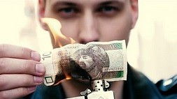 Magia czy niszczenie pieniędzy?