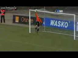 Strzelił gola z 60 metra!