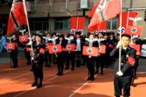 Tajwańscy licealiści zrobili rekonstrukcję nazistowskiej parady - z SS i swastykami