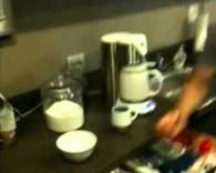 Ugotował jajko w mikrofali. Kuchni nie może się dosprzątać do dzisiaj