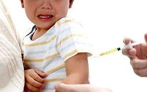 Reakcja dziecka na szczepienie, której nie pokażą ci koncerny farmaceutyczne