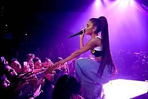 """""""Zacznij od nowa, nie nagrywałem!"""" - krzyczy fan na koncercie Ariany Grande"""