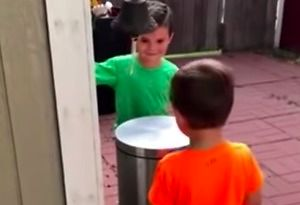Dzieci odkryły świetną zabawę