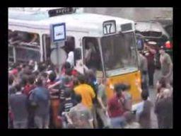 Węgierski  flash mob w tramwaju
