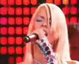 Mandaryna śpiewa metal