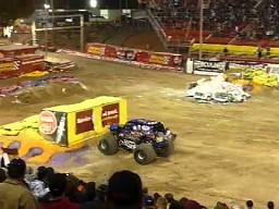 Backflip monster truckiem