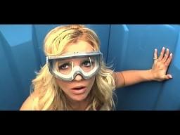 Britney Spears wystrzelona w toj-toju
