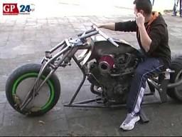 Motocykl w stylu dragster polskiej produkcji
