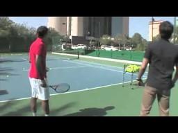 Roger Federer robi dowcip trenerowi