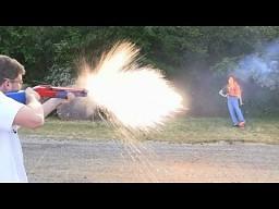Miotacz ognia ze strzelby