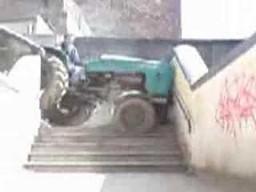 Młodociany traktorzysta