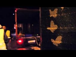 Odwrotność graffiti na ulicach Rygi
