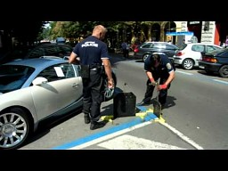 Bugatti Veyron vs czeska policja