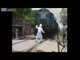 Czekał nie na ten pociąg