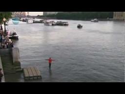 Dynamo chodzi po wodzie