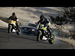 Motocykle kontra samochód - Drift Battle 2