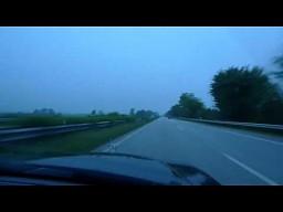 Techno-Niemka na autostradzie