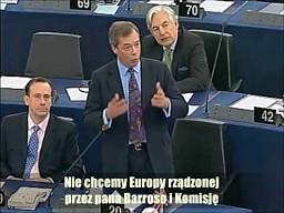 Nigel Farage wita Schulza na stołku szefa PE
