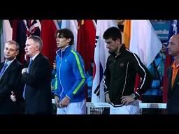 Wyczerpani tenisiści muszą słuchać przemówienia