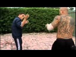 Instruktor sztuk walki vs street fighter