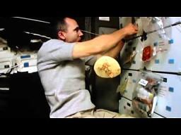 Tak się robi burrito w kosmosie
