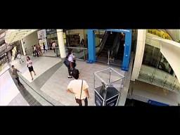 9999 osoba na schodach dostaje ultrabooka