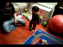 Chłopiec odkrywa swój cień