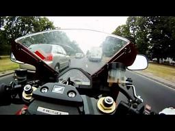 Przewaga motoru nad samochodem