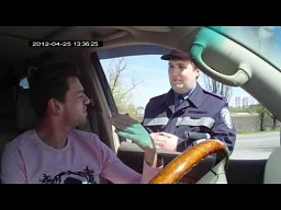 Język angielski i ukraiński milicjant