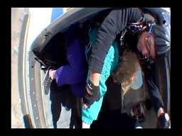 Pierwszy skok babci ze spadochronem