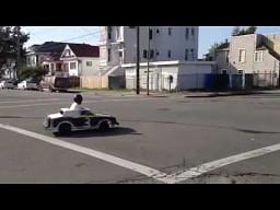 Popisy mini samochodzikiem