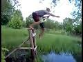 Małpy nad wodą