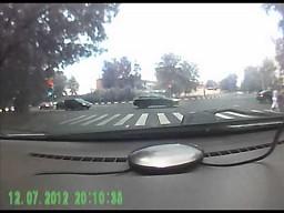 Skutki otwartej studzienki na drodze