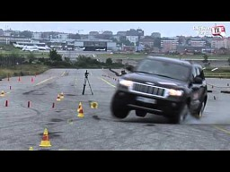 "Jeep Grand Cherokee i test ""łosia"""