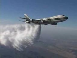 Zrzut wody z Boeinga 747