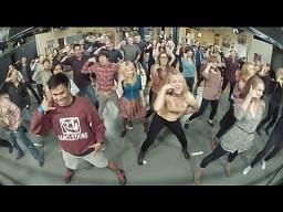 Flash Mob w trakcie nagrywania Big Bang Theory