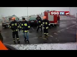 Praca ratowników drogowych