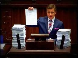 Poseł zgłasza 5901 poprawek do projektu budżetu