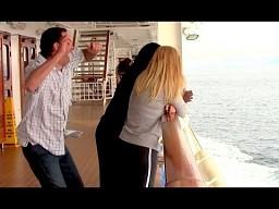 Greg Benson śmiało tańczy