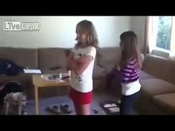 Pełne zaufanie do małej siostry