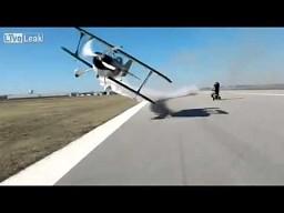 Samolot przeleciał jej metr od głowy