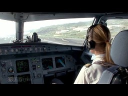 Pani pilot w Airbusie